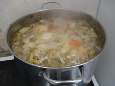 מרק עוף בסיר- שף ישראל