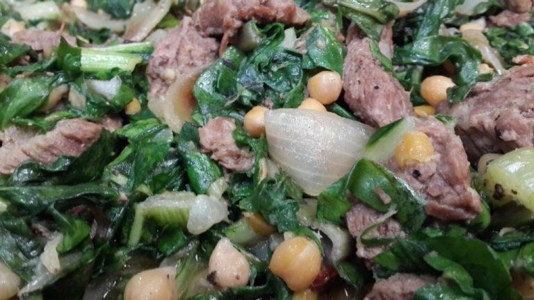 מתכון בשר בקר עם עלי מנגולד וחומוס שף ישראל